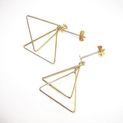 逆三角形が似合うピアス・イヤリングイメージ