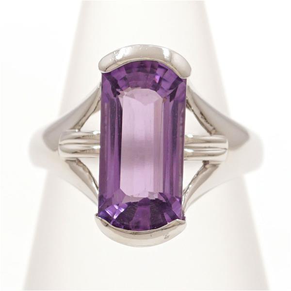 華やかな指輪